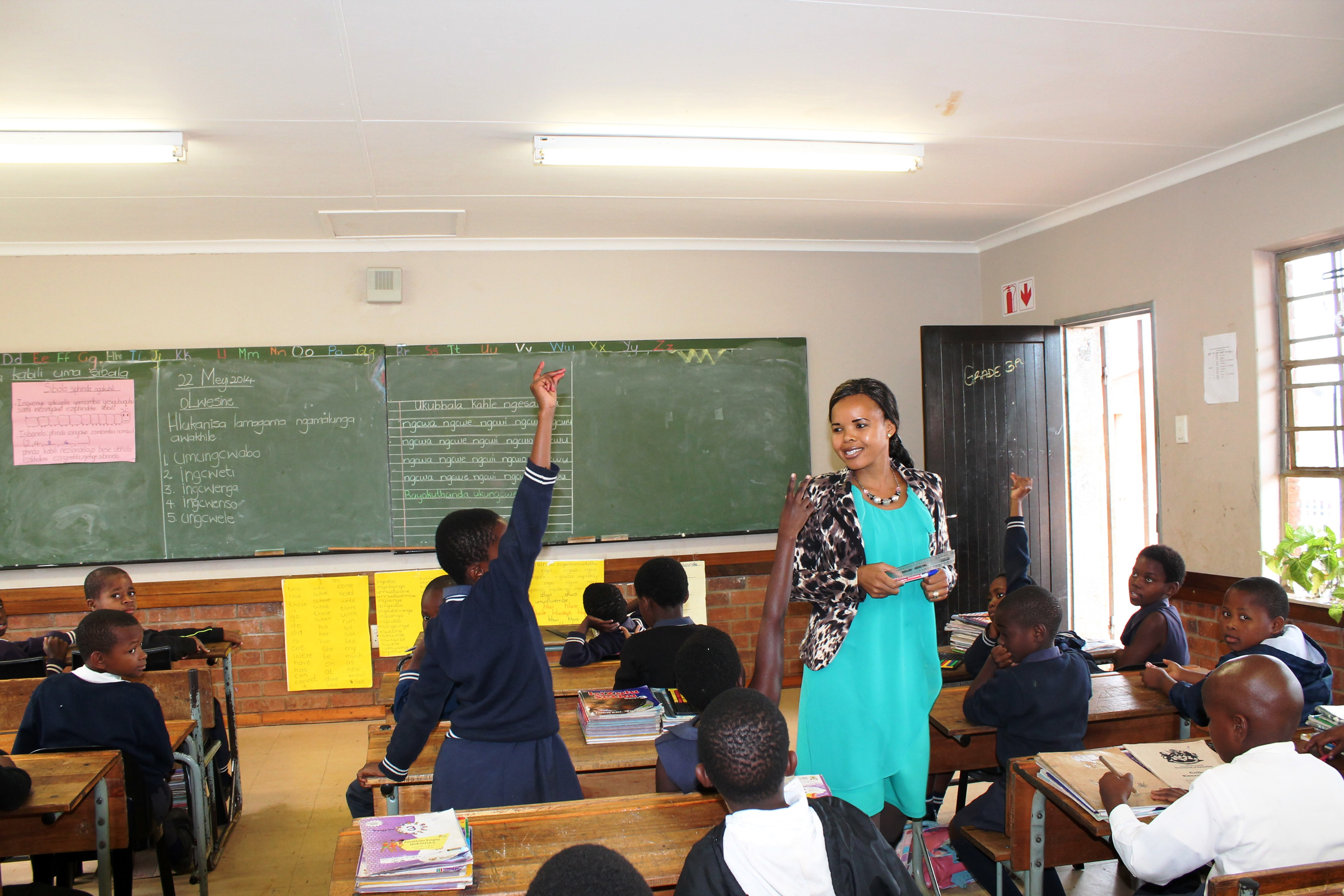 Work-integrated learning in initial teacher education: a model worth